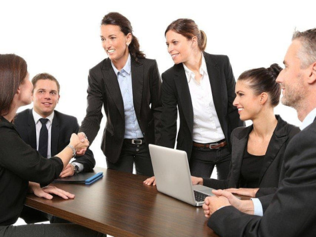 8 Reasons to Hire a Business Broker