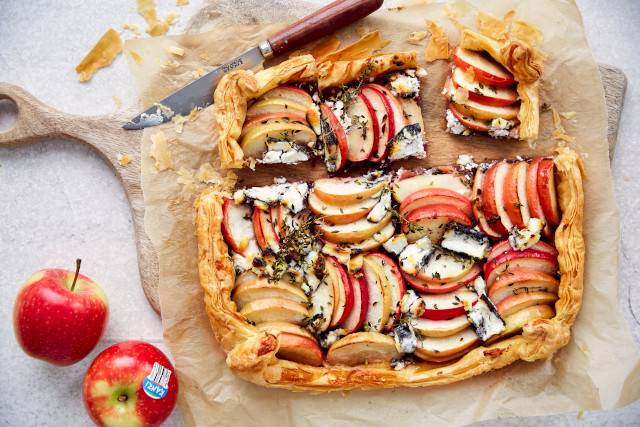 Kanzi apple, caramelized onion and goats cheese Galette