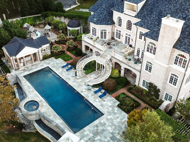Kelly Clarkson Home