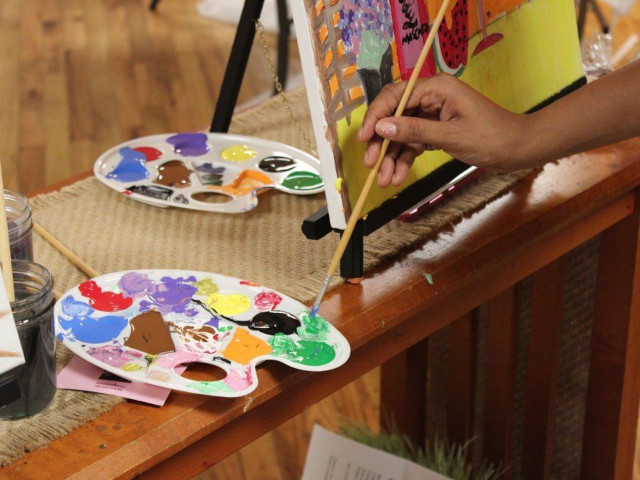 Paint and Sip Studio Easter