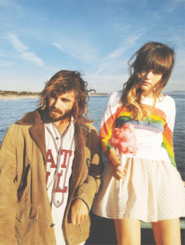 Angus and Julia Stone Get Home