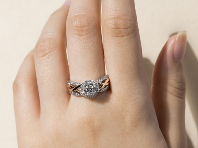 Gold or silver jewellery? How to decide between the two