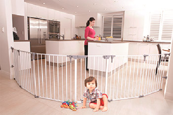 Dreambaby Royale Converta 3 in 1 Play-Yard and Wide Barrier Gate