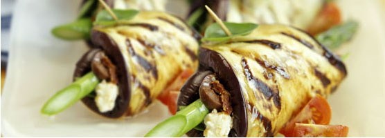 Eggplant rolls with asparagus and feta