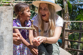 Elyse Knowles Visits WaterAid Projects