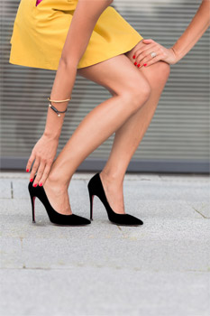 10 Bad Shoe Decisions That Are Damaging