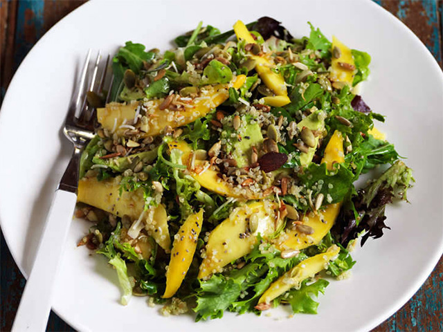 Mango Salad with seeds and quinoa Recipe