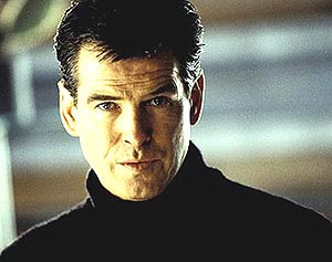 Pierce Brosnan Die Another Day, Evelyn