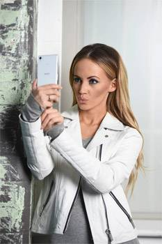Samantha Jade Sony Mobile 48 Hours Track