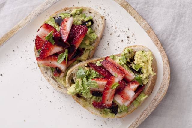 Strawberry Avo smash