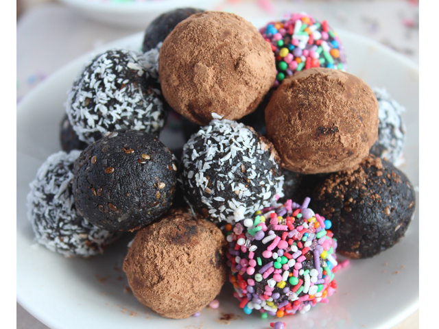 Chocolate Tahini Bliss Balls
