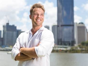 Lincoln Lewis Daydream Island Interview